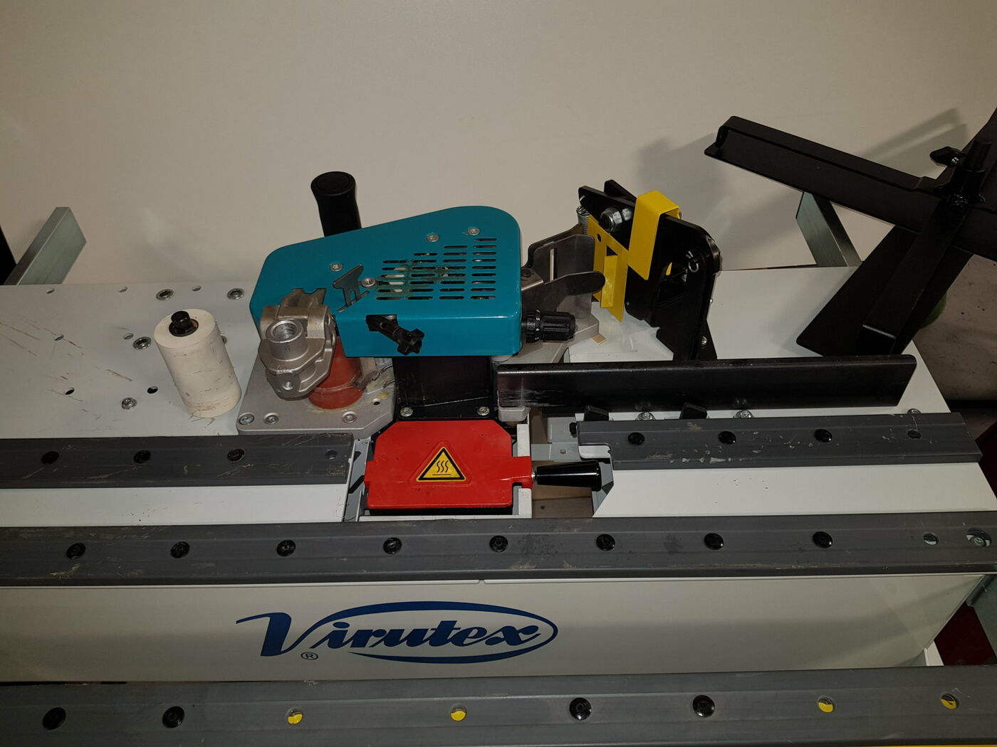Used Virutex PEB 250 Plus Mobile Edgebander