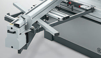 A photo of the CNC crosscut-mitre fence DUO Flex